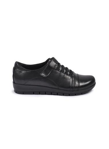 Ayakmod 39 Siyah Kadın Hakiki Deri Günlük Ayakkabı Siyah